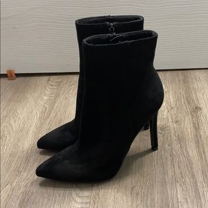 Zip up Boot High Heels